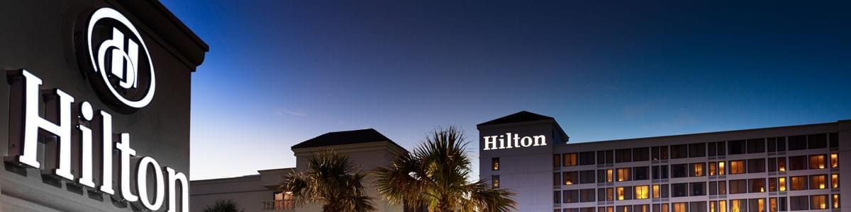Hilton Des Moines Downtown Hotel Ia Exterior Dusk